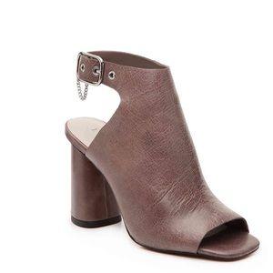 I State llan sandal